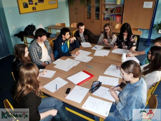 Pierwsza Sesja Młodzieżowej Rady Dzielnicy Wrotków 2014 | Fundacja KReAdukacja